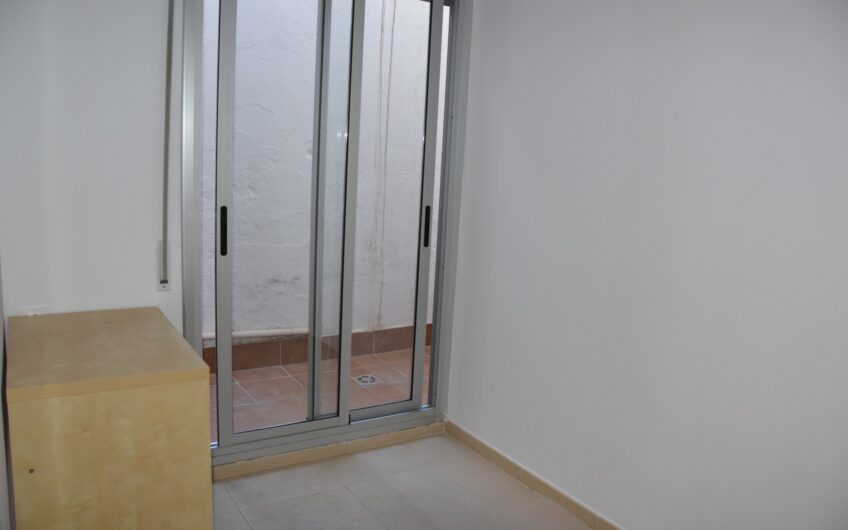 Amueblado!Se alquila  planta baja 2 habitaciones en zona Hospital de Sant Pau